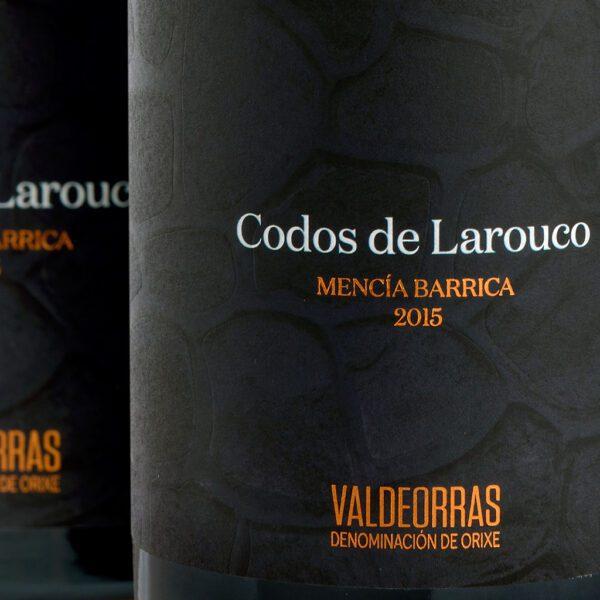 fotografía detalle etiqueta Costeira Codos de Larouco Mencía Barrica